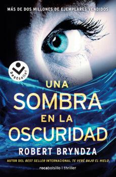 Libros descargables gratis para ipod touch UNA SOMBRA EN LA OSCURIDAD 9788416240845 PDF CHM RTF